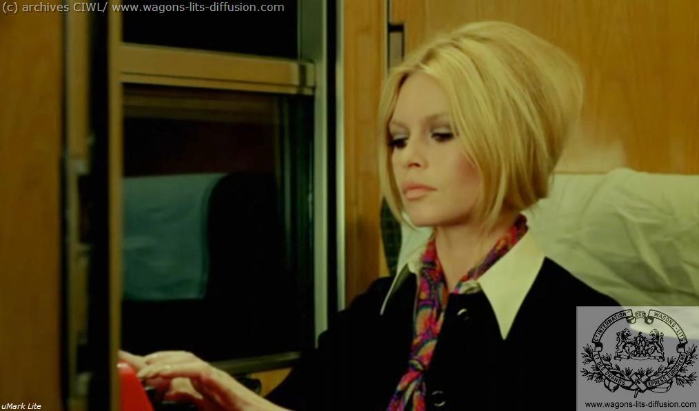 WL Brigitte Bardot à bord du Train Bleu