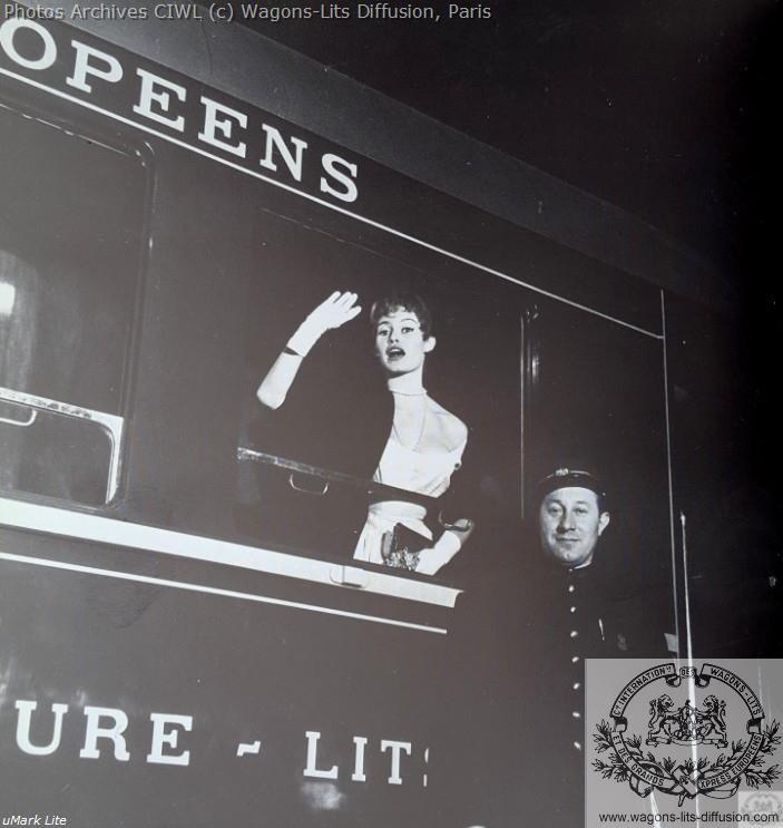 Wl brigitte bardot expo paris 1955