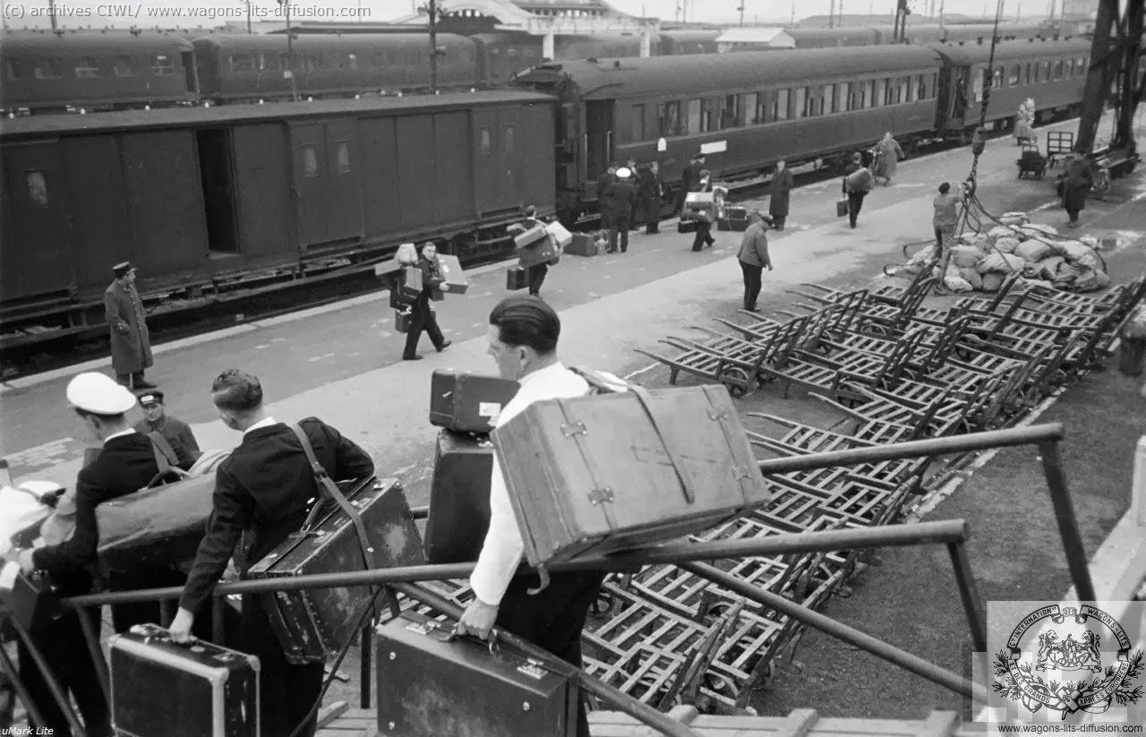 WL debarquement voyageur Calais 1950