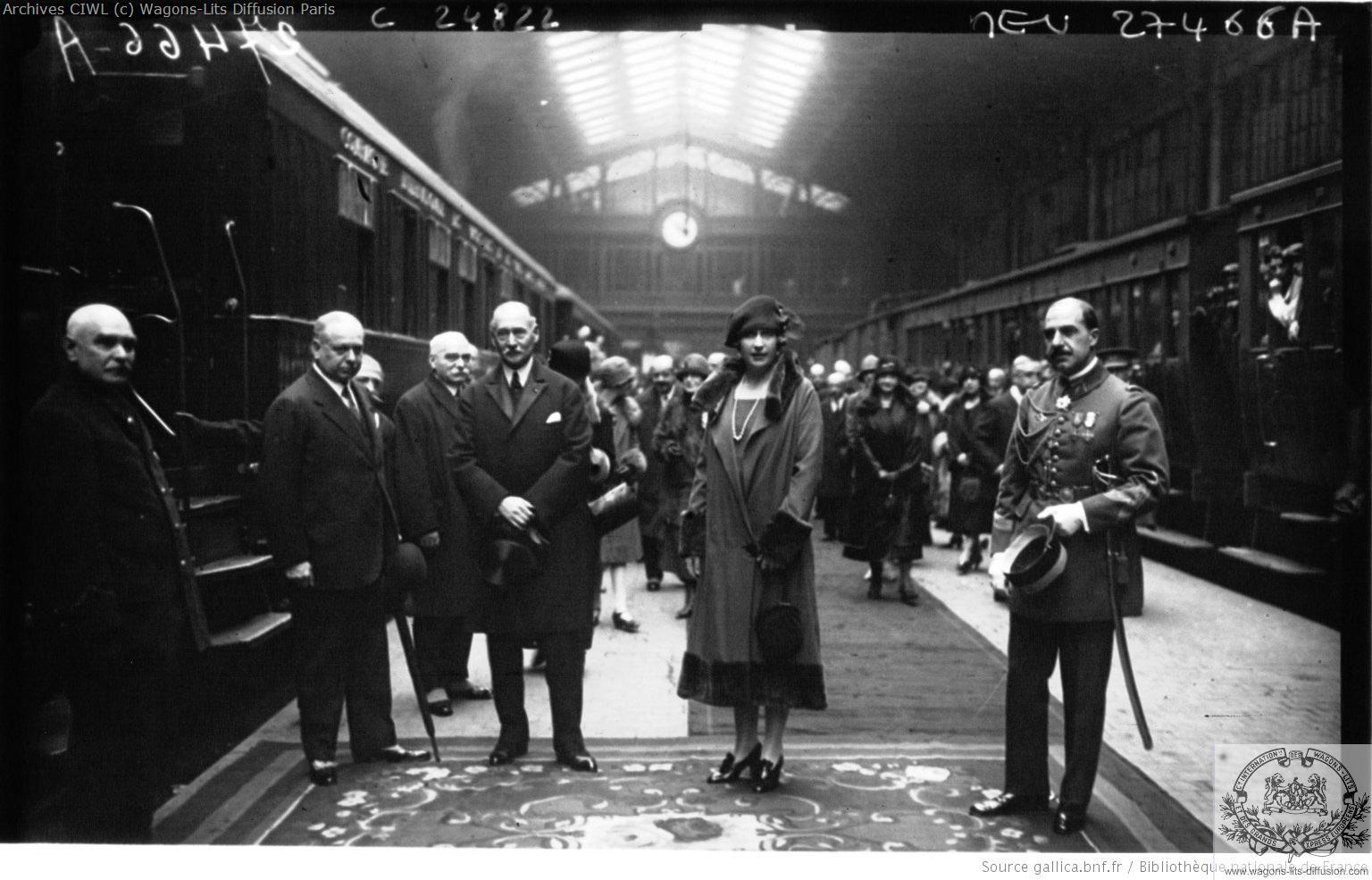 Wl depart de la reine d espagne pour londres golden arrow 1925