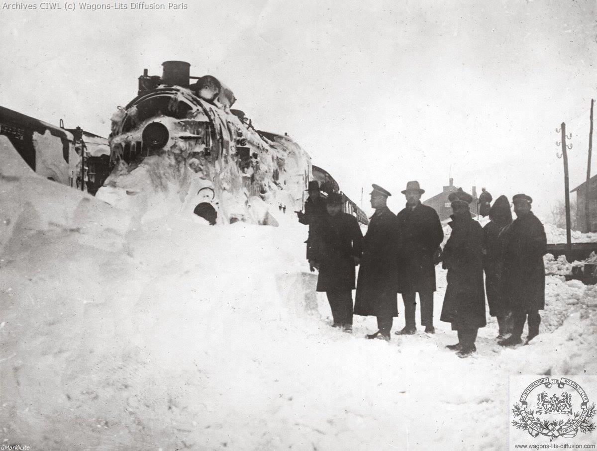 Wl the orient express gets stuck in snow near cerkezkoy turkey 1929